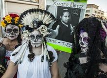 Tres mujeres en Dia De Los Muertos Makeup Imágenes de archivo libres de regalías