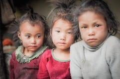 Tres niños en Nepal Fotos de archivo libres de regalías