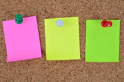 Tres notas coloridas vacías Fotos de archivo libres de regalías