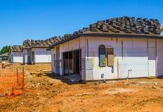 Tres nuevos hogares bajo construcción Fotografía de archivo