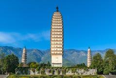 Tres pagodas de templo de Chongsheng en China imagenes de archivo
