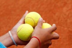Tres pelotas de tenis fotos de archivo