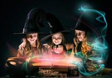 Tres pequeñas brujas Imágenes de archivo libres de regalías