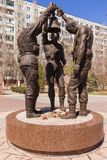 Tres soldados con la campana imagen de archivo libre de regalías