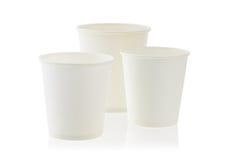 Tres tazas de papel disponibles Imagenes de archivo