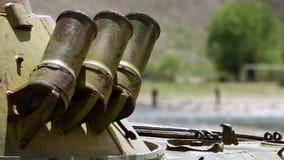 Tres tubos del cortocircuito del metal metrajes