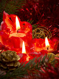 Tres velas rojas del advenimiento Foto de archivo libre de regalías