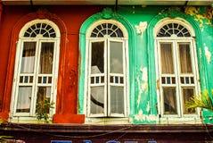 Tres ventanas en Kuala Lumpur, Malasia - julio de 2015 Imagen de archivo