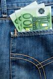 Billetes de banco euro en el bolsillo Fotografía de archivo libre de regalías