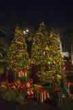 Дерево XMAS с подарками стоковые изображения