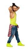 Tresse les mains urbaines d'homme de style de cheveux derrière sa tête Sur le fond blanc Png disponible Photo stock