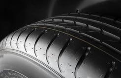 Treten Sie Blockmuster des symmetrischen Reifenmakroschusses Lizenzfreie Stockbilder