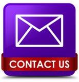 Treten Sie mit uns (E-Mail-Ikone) rotes Band des purpurroten quadratischen Knopfes im middl in Verbindung Stockfoto