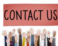 Treten Sie mit uns Hotline-Informationsdienst-Kundenbetreuungs-Konzept in Verbindung Stockfotos