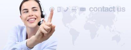 Treten Sie mit uns, Kundendienst-Betreiberfrau mit dem Kopfhörerlächeln in Verbindung Lizenzfreie Stockfotos