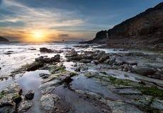 Trevellas Coombe strand i St Agnes i Cornwall Arkivfoton