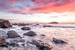 Trevellas-porth Sonnenuntergang, der in Richtung trevaunance Buchten in Cornwall England Großbritannien blickt Stockfotografie