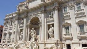 Trevi喷泉在罗马市,意大利的中心 美好的欧洲建筑学Fontana di Trevi 股票录像