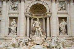Trevi喷泉,罗马雕象  免版税库存图片