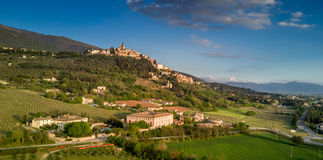Trevi, Умбрия, Италия: воздушное фото Стоковое Изображение RF