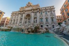 Trevi-Brunnen, der barocke Brunnen in Rom, Italien Stockbilder