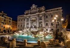 Trevi fontanna nocą Rzym, Włochy Obraz Stock