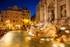 Trevi fontanna przy nocą zdjęcia stock