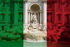 Trevi fontanna w Rzym w kolorach włoszczyzny flaga fotografia stock
