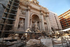 Trevi fountain under construction Stock Photography