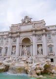 Trevi-springbrunn eller Fontana di Trevi p? piazzaTrevi, Rome fotografering för bildbyråer