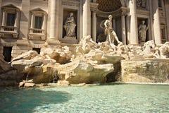 Trevi-springbrunn i Rome med skulpturen av Neptun arkivfoton
