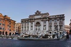 Trevi van Rome herstelt allen Stock Foto's