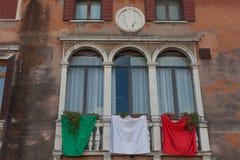 TREVISO, ITALIA - 13 DE MAYO: asamblea nacional de las tropas alpinas de los veteranos italianos Foto de archivo libre de regalías
