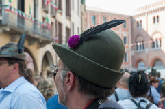TREVISO, ITALIA - 13 DE MAYO: asamblea nacional de las tropas alpinas de los veteranos italianos Fotos de archivo