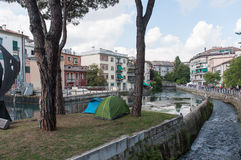TREVISO ITALIEN - MAJ 13: nationalförsamling av de alpina soldaterna för italienska veteran Arkivbild
