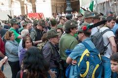 TREVISO ITALIEN - MAJ 13: nationalförsamling av de alpina soldaterna för italienska veteran royaltyfri bild