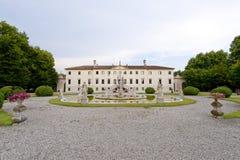 Treviso (Veneto, Italië) - Oud villa en park stock foto