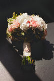 Trevlig blommabukett Arkivfoton