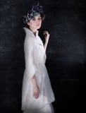 trevlig bröllops- vit kvinna för klänning Royaltyfri Bild