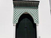 Trevlig dörr av slotten som köps arrakiya Royaltyfri Bild