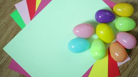 Trevlig färgrik bakgrund med påskägg lager videofilmer