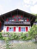 trevlig by för 3 hus royaltyfri bild