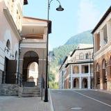 Trevlig gammal gata Arkivbild