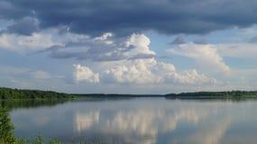 trevlig lake Arkivbild