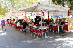 Trevlig restaurang i Barcelona Royaltyfria Foton