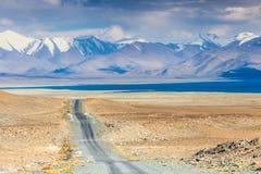 Trevlig sikt av Pamir i Tadzjikistan arkivfoton