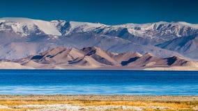Trevlig sikt av Pamir i Tadzjikistan royaltyfri bild