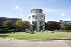 Trevlig sikt för Tarrant County högskolauniversitetsområde arkivfoton
