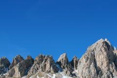 trevlig sky för berg arkivfoto