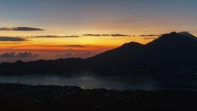 Trevlig solnedgång över havet Royaltyfria Foton